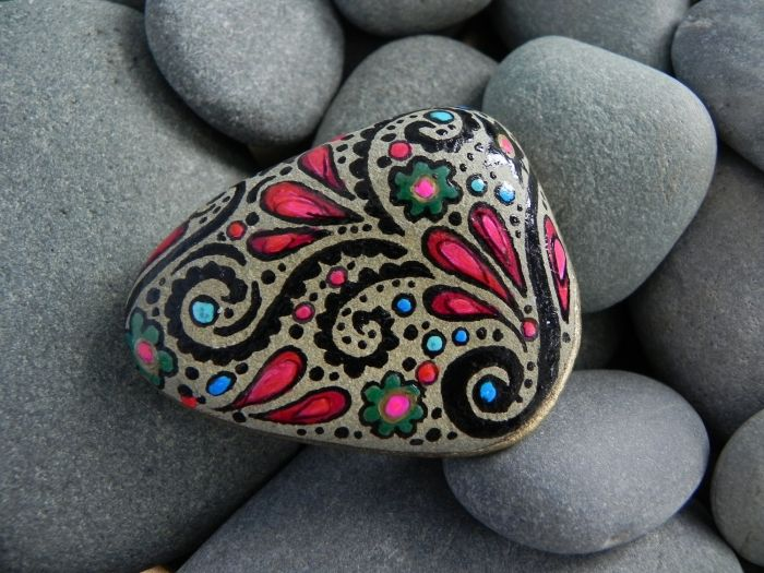 Kreative Deko für den Garten leicht gemacht- Steine bemalen - garten mit steinen dekorieren