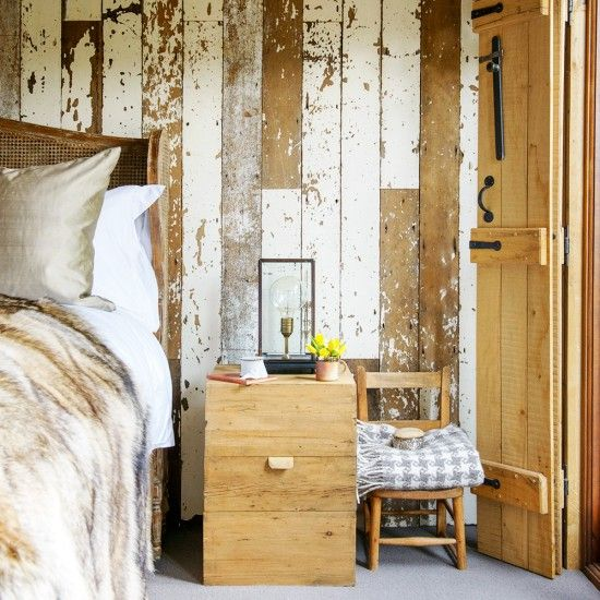 Add That Rustic Country Look To Your Bedroom With A Reclaimed Wood Feature  Wall And Accessories