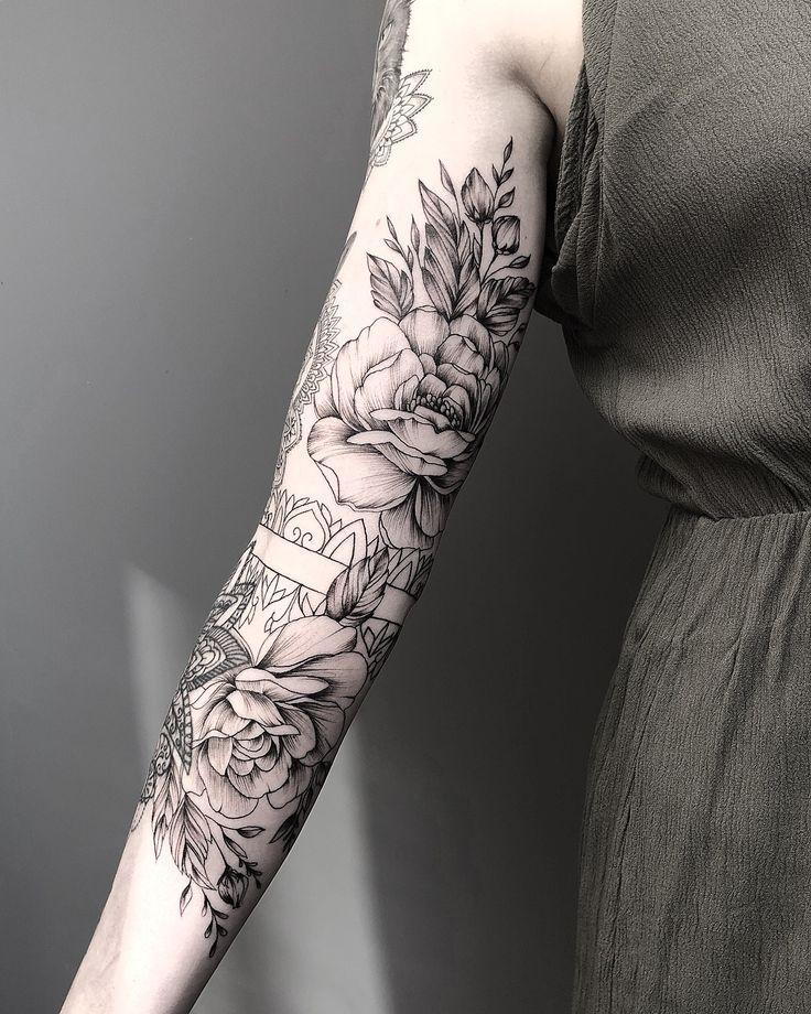 Tattoo motive frau arm