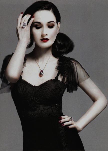 Dita Von Teese Black Dress 2dayslook Watsonlucy723 Blackdress Www