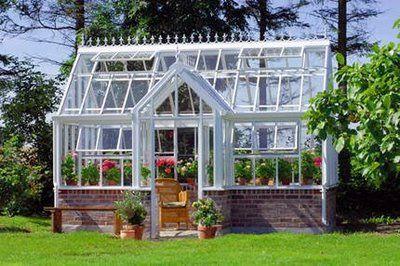 Bilde 1 Dette hadde passet ypperlig i hagen min - ønsker meg et drivhus. Bilde 2 Sjarmerende...