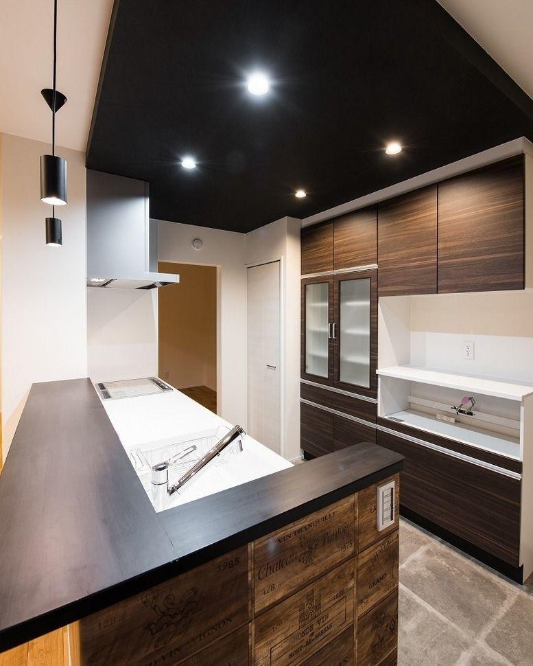 カナルホーム On Instagram 黒と茶色をメインに 大人のナチュラルモダンなキッチンスペースはいかがでしょうか 当社の資料が欲しい方 Kanalhome Siryouseikyu Home Decor Home Decor