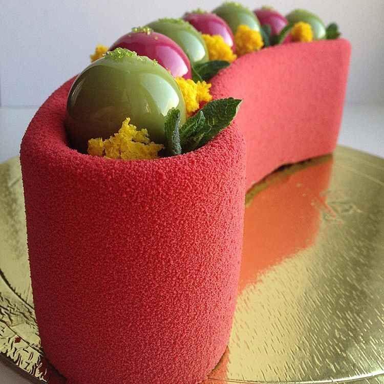 Удивительные и глянцевые торты от Ольги Носковой фото ...