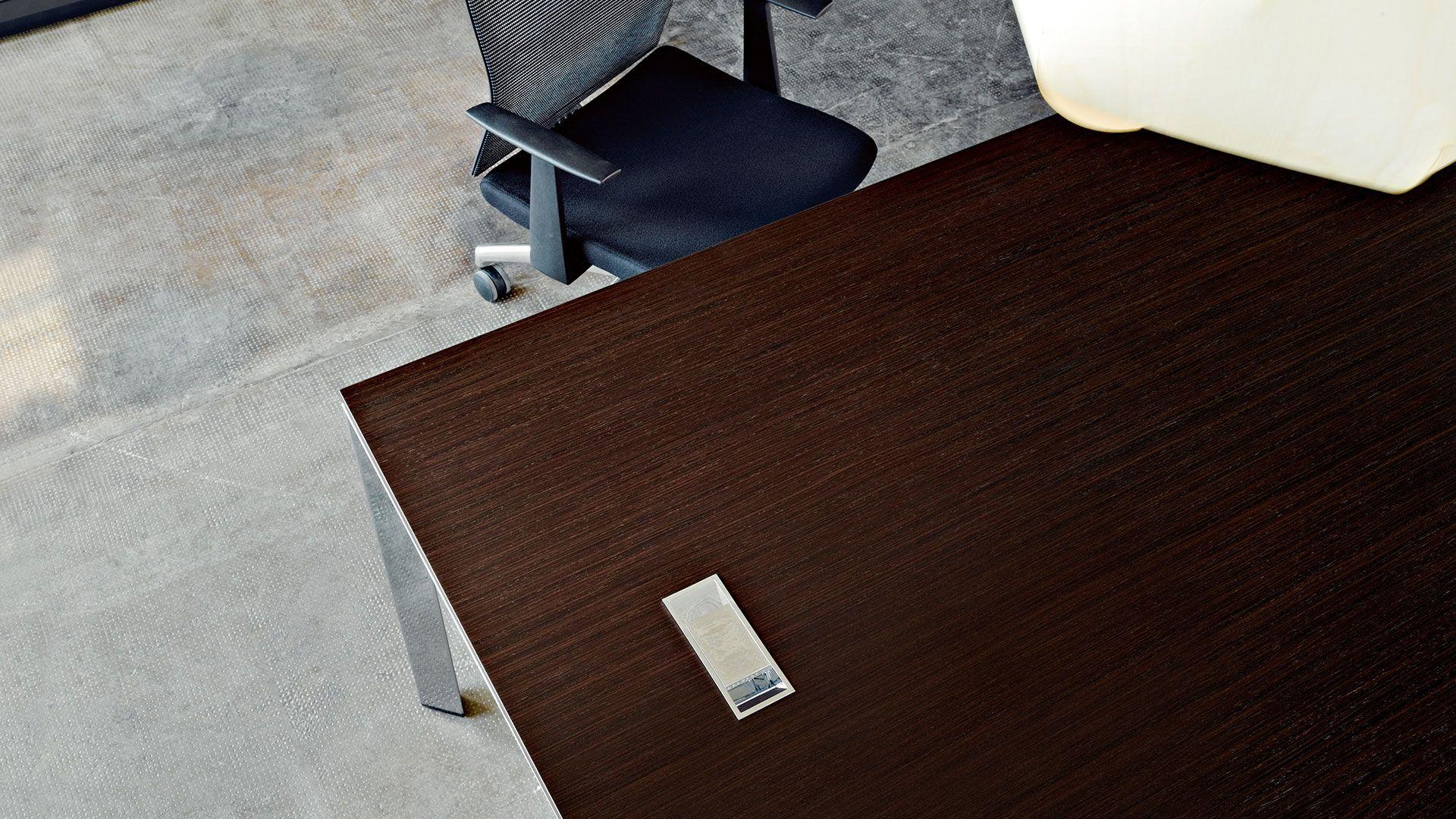 Chefschreibtisch Chefbüro Schreibtisch mit Arbeitsplatte in ...