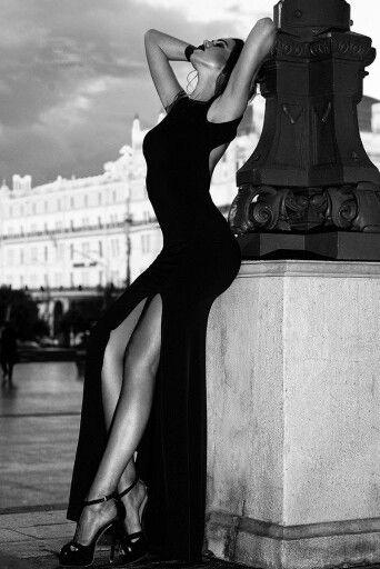 Black white photo beautiful woman