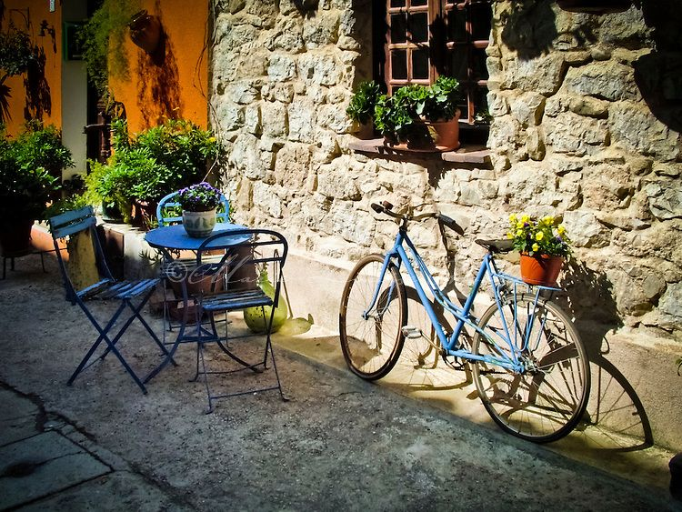 france street pictures   ... stime house in village of Castellar, near Menton, south of France
