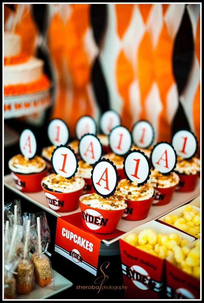 Baseball Birthday Party | CatchMyParty.com
