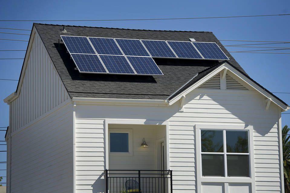 Big Subsidies Make Solar Power Attractive For Home Developers Solar Panels Best Solar Panels Solar