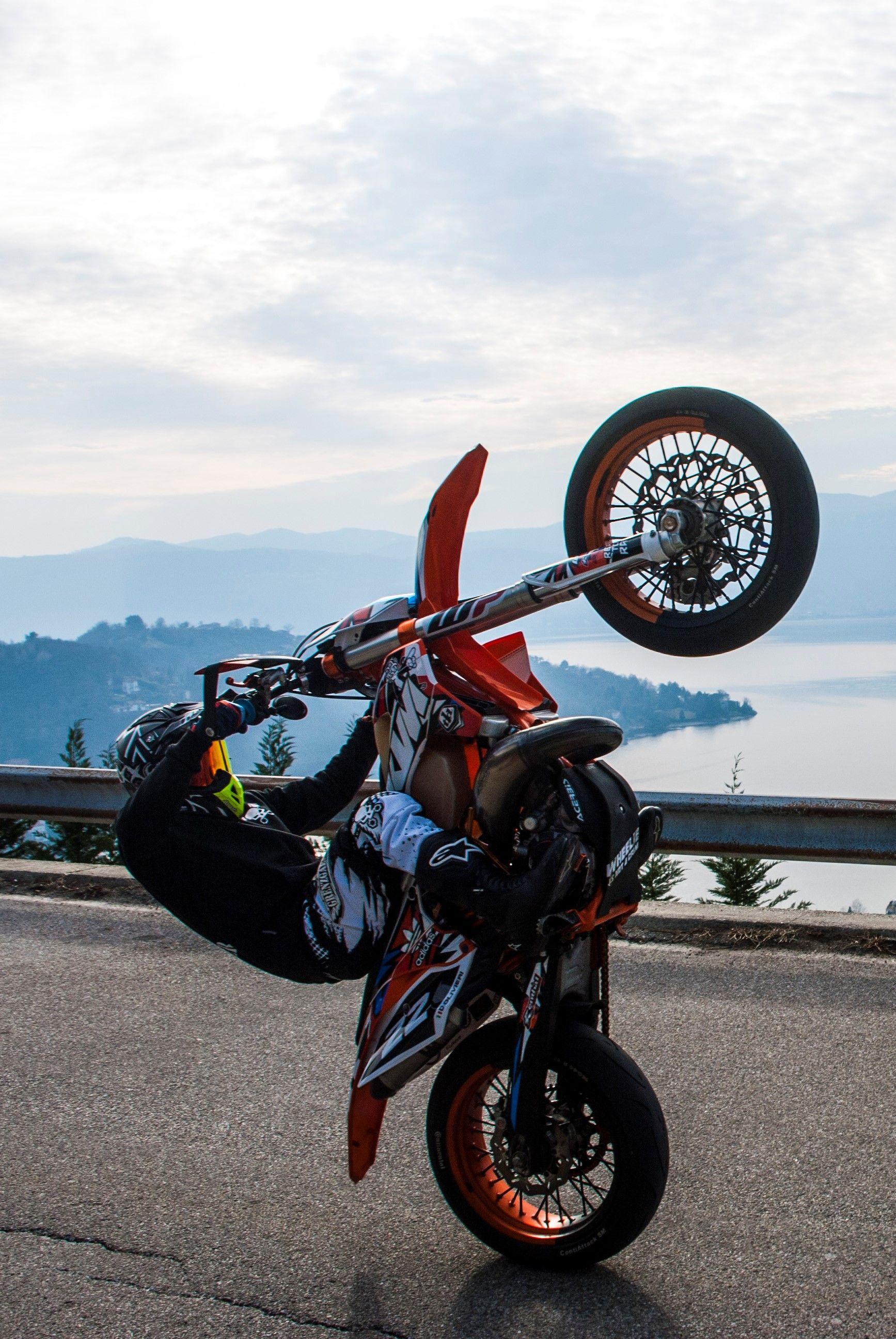 Grenzgaenger Wheelie Wheelies Ride Supermoto Enduro Stunt