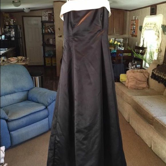 Black and white Holter long evening gown Long evening gown with shaw. Worn twice jcpenney Dresses Strapless