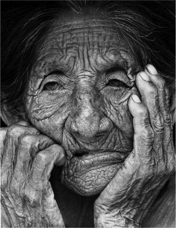 Alte Frau Zeichnen