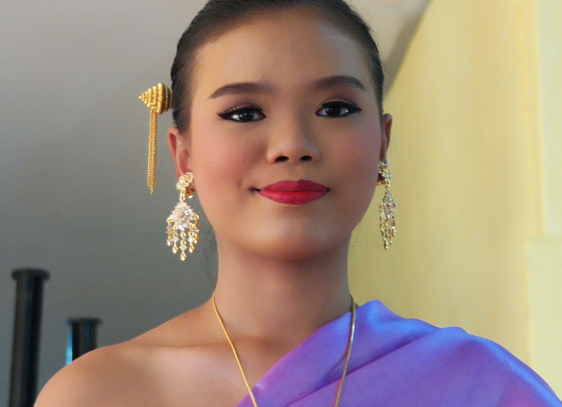 beautiful thai babes