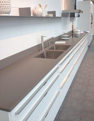 FORSTER - Schweizer Stahlküchen Ausstellungsküchen Kök - moderne kuchen forster