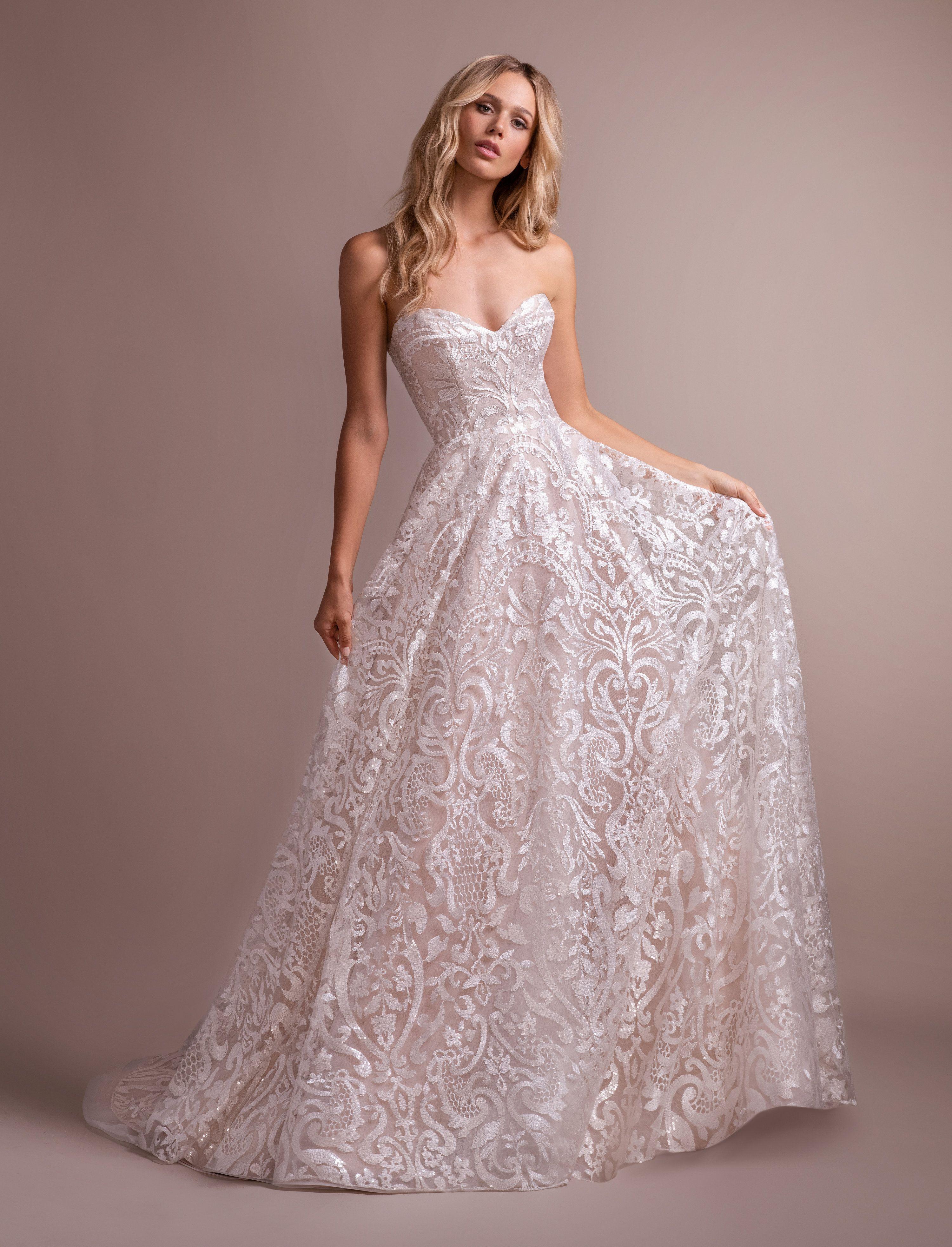 Hpmarsden Ivory Luxembourg Long Sleeve Ball Gown Sweetheart