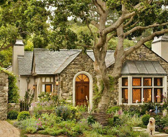 Inspirasi Rumah Impian On Instagram Tag Your Partner Or Friends Rumah Interior Design Kam Small Cottage House Plans Small Cottage Homes Cottage Exterior