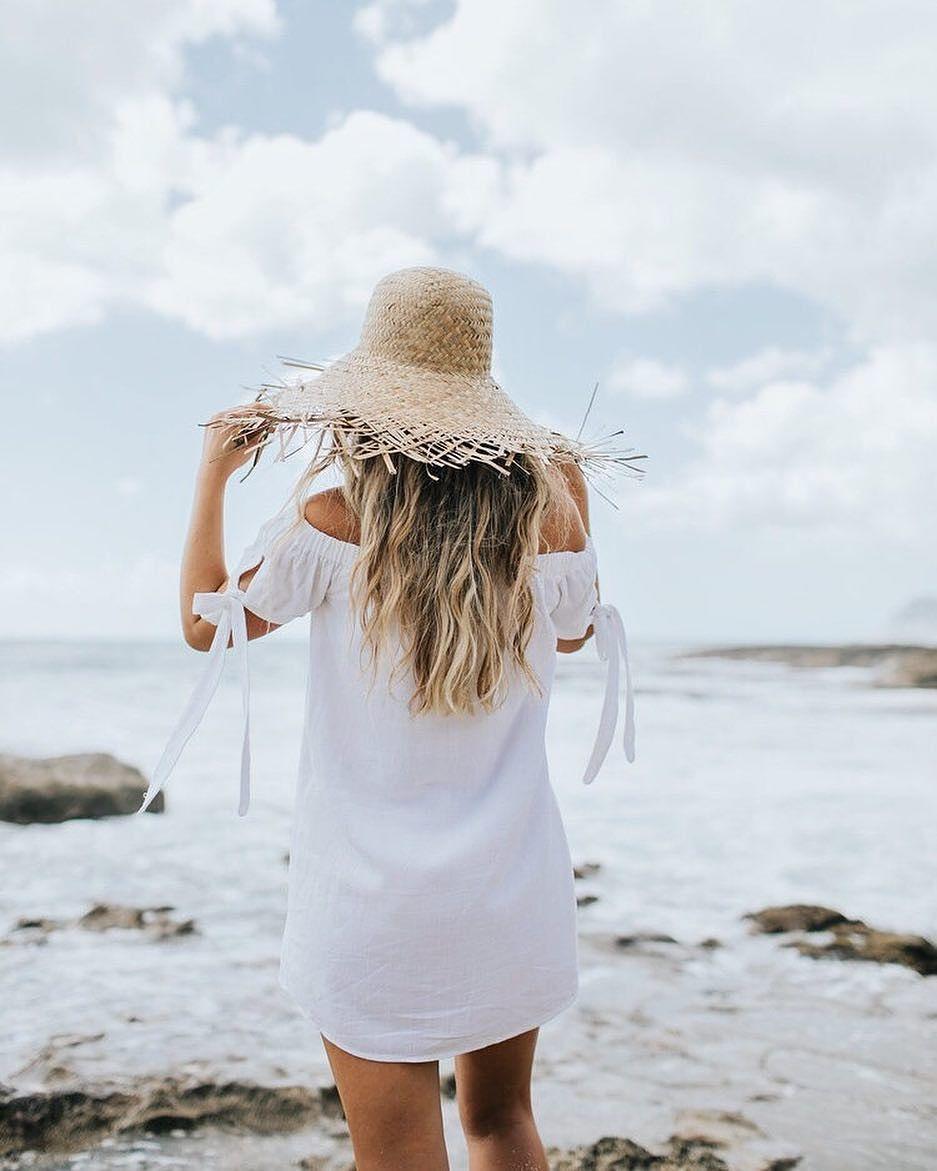 @carajourdan wearing our summer dream dress: the Al Fresco evenings off-the-shoulder dress link in bio to shop in five colors #lovelulus #lulusambassador