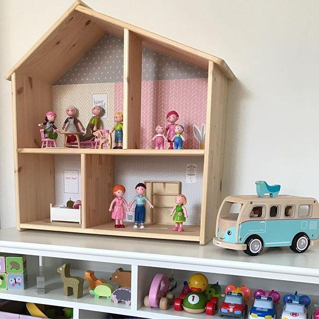 pferdestall selber bauen aus einer ikea holzbox biegepuppen pferdestall und puppenstube. Black Bedroom Furniture Sets. Home Design Ideas