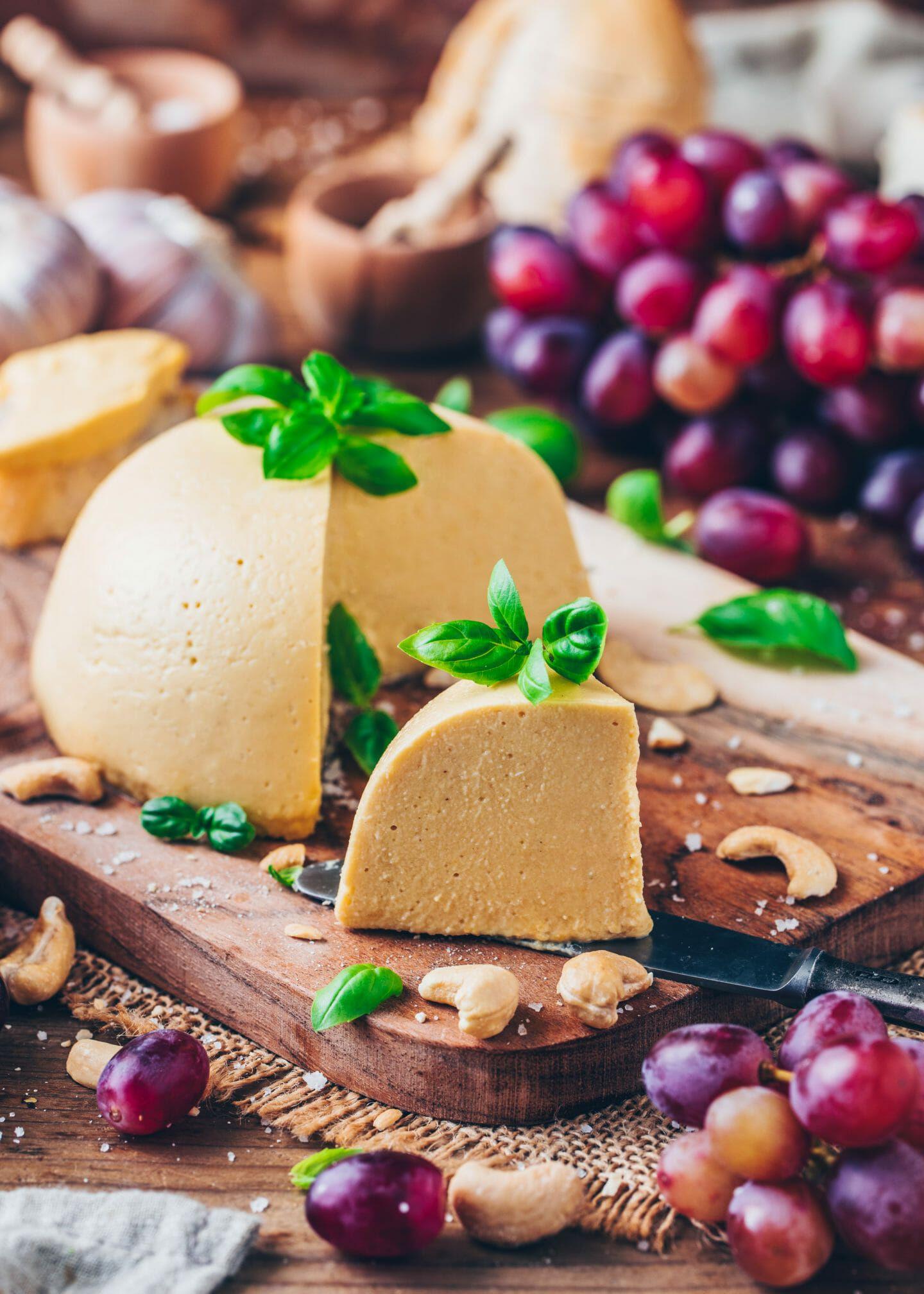 Easy vegan cheese recipe sliceable cashew cheese