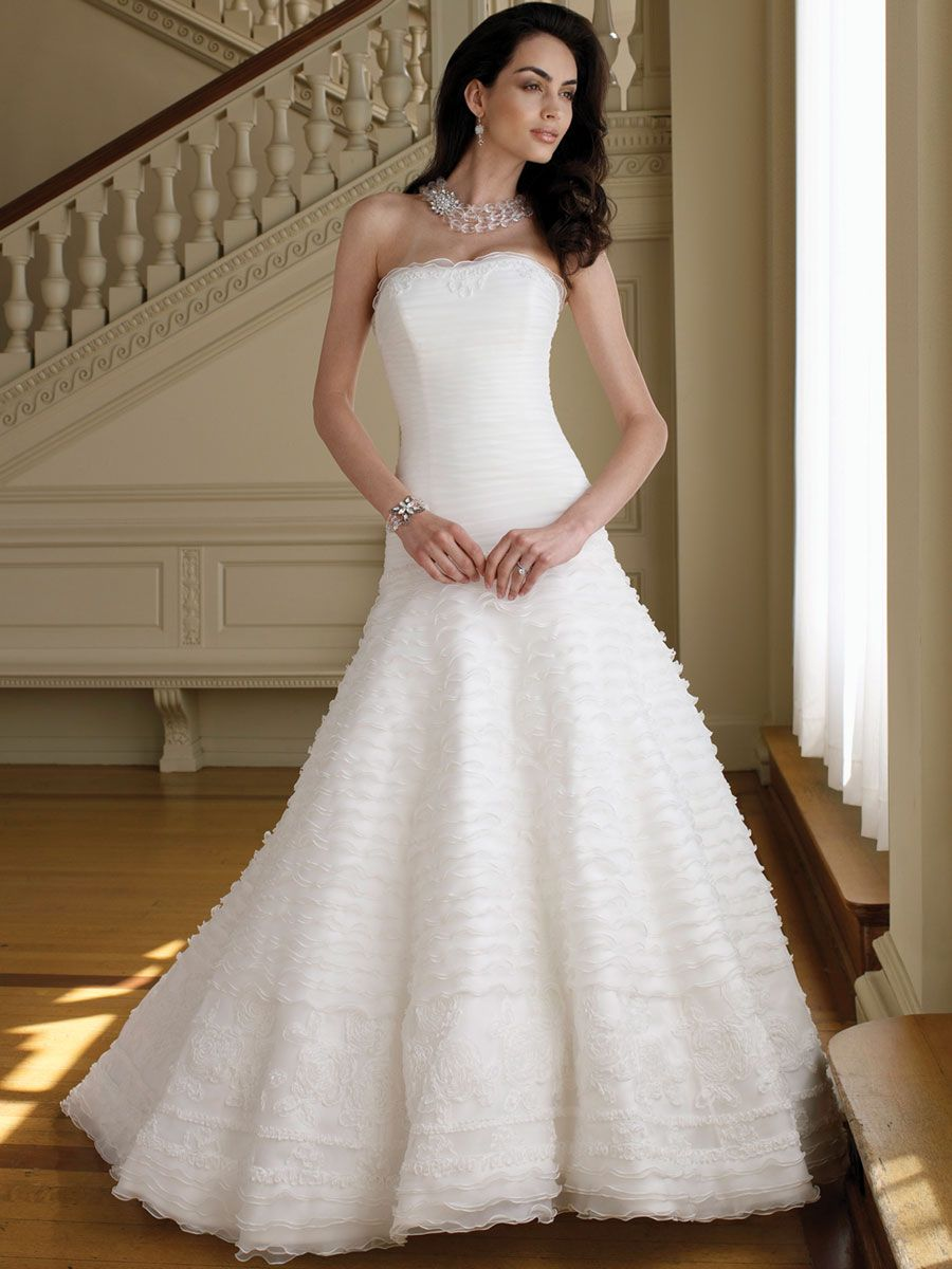 Strapless Organza A-line Wedding Dress with Delicately Ruffled Skirt