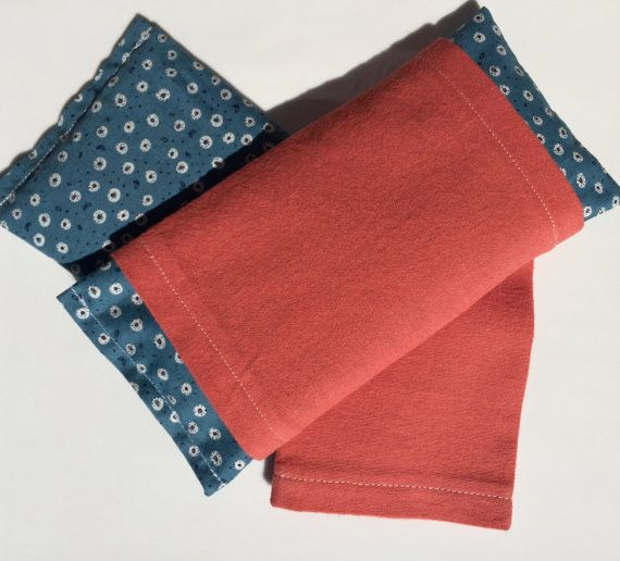 This is my eye pillow with washable cover that is made with organic cotton and organic flannel. Organic fabric is wonderful to work with: it feels soft,