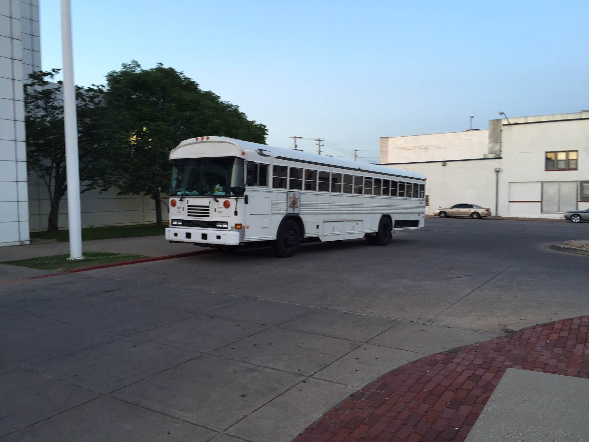 Http Www Tulsaroute66bailbonds Com Tulsa County Jail Tulsa County Jail Transport Bus This Is One Of The Few Ways To Transport Inm County Jail Jail Alameda