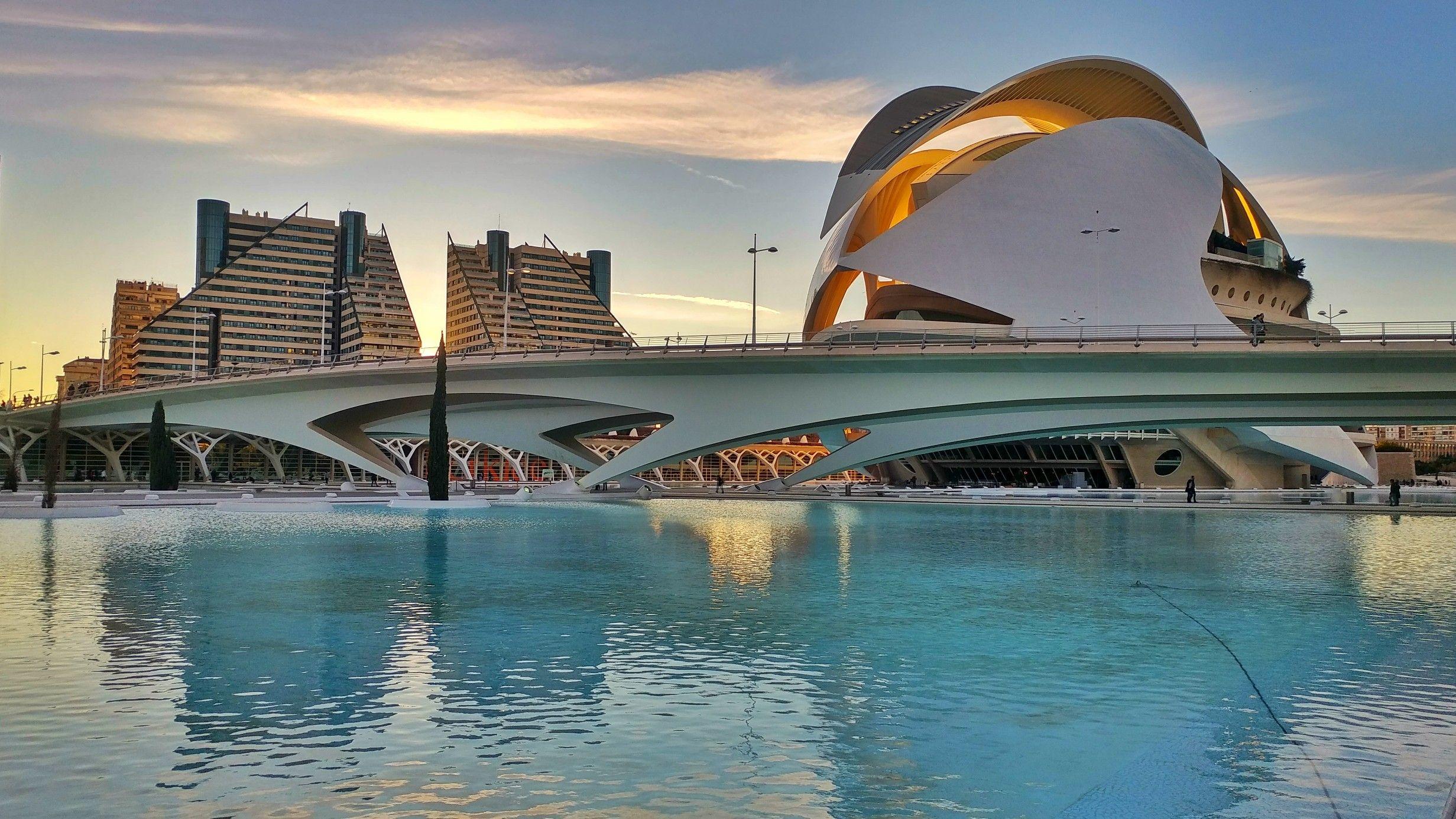 Valencia Spain 🇪🇸 Ciudad Città delle arti e della scienza ...