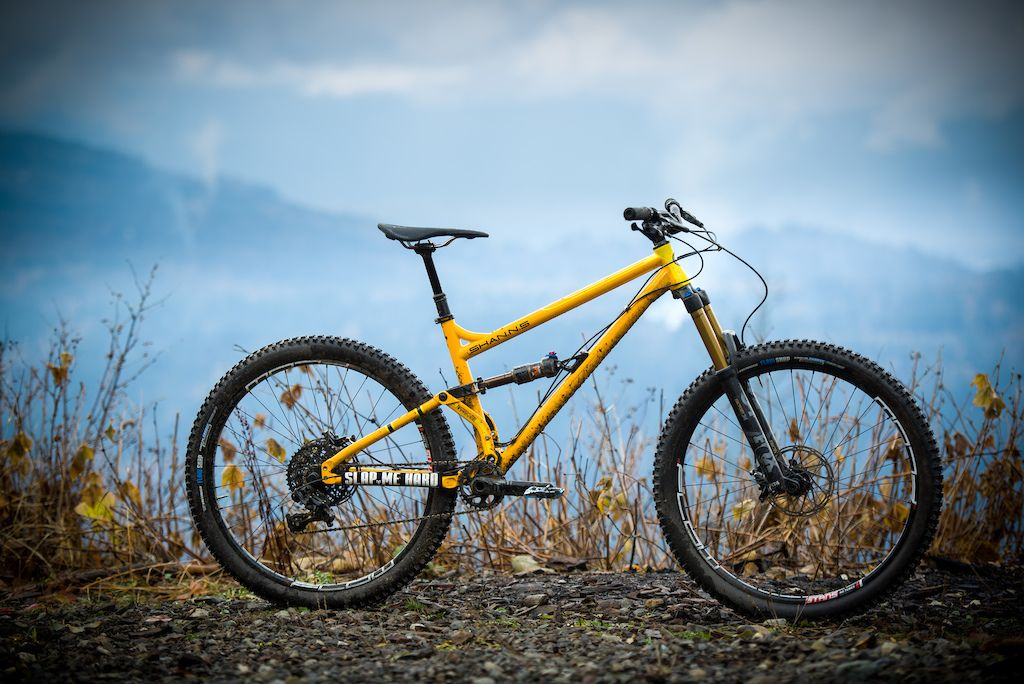 Review Rocky Mountain Thunderbolt Carbon 70 Bike Design