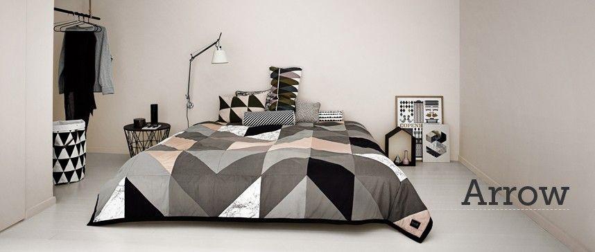 Bed cover - arrow- ottoyanna