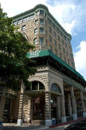 Basin Park Hotel Eureka Springs Ar Located Downtown Next Door To Spring