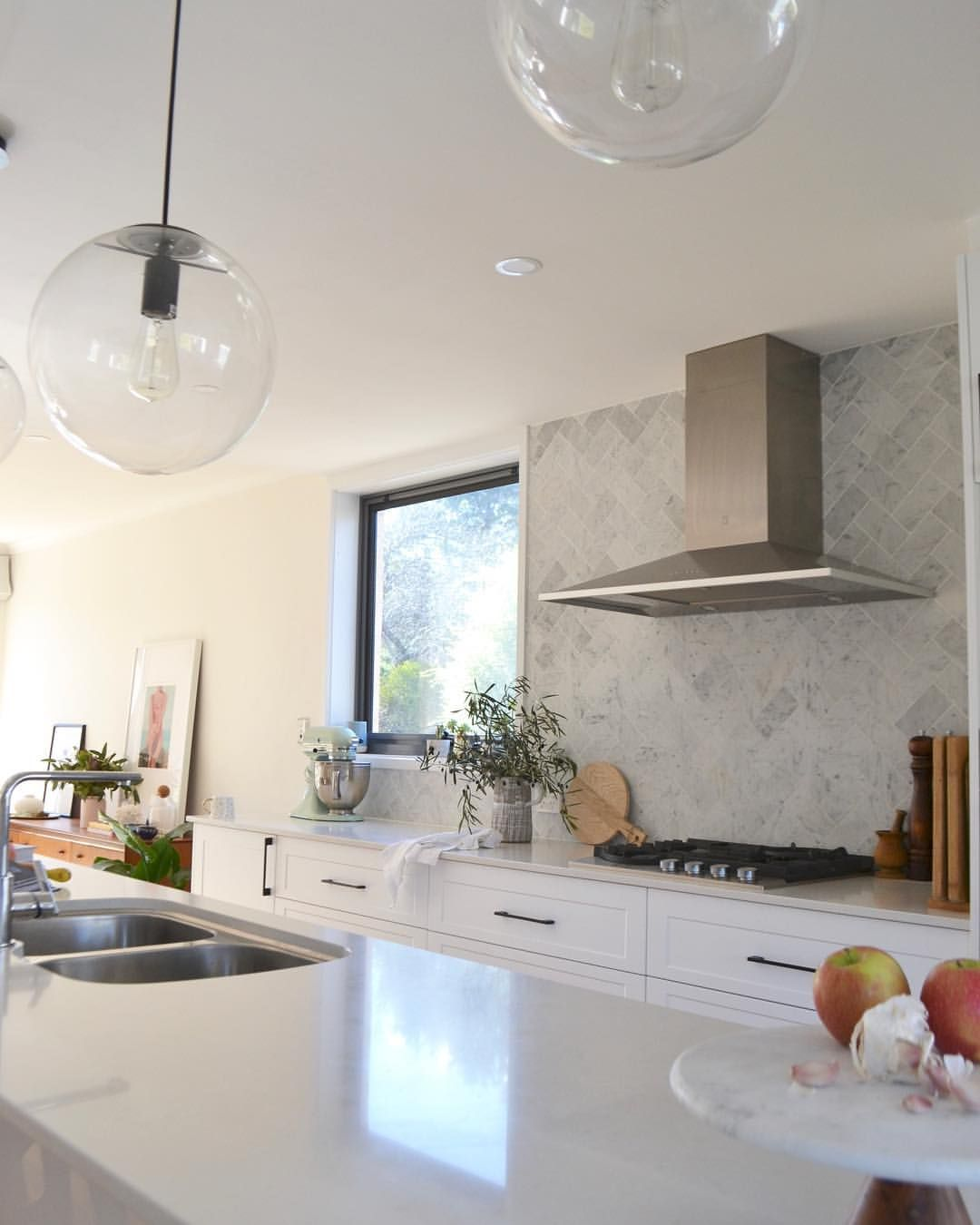 White Modern Classic Kitchen Herringbone Tile Backsplash