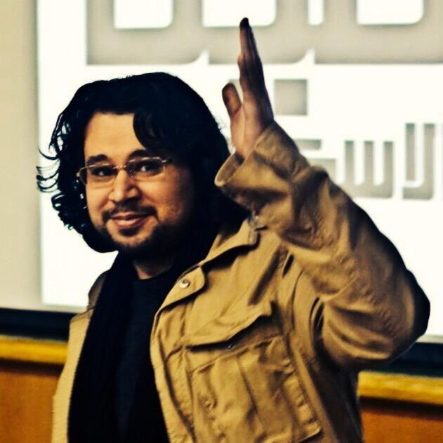 كم أنا محظوظ لأعيش وأعاصر زمان فيه شاعر مبدع كتميم تميم البرغوثي من سادة الشعر العربي في العصر الحديث Thumbs Up