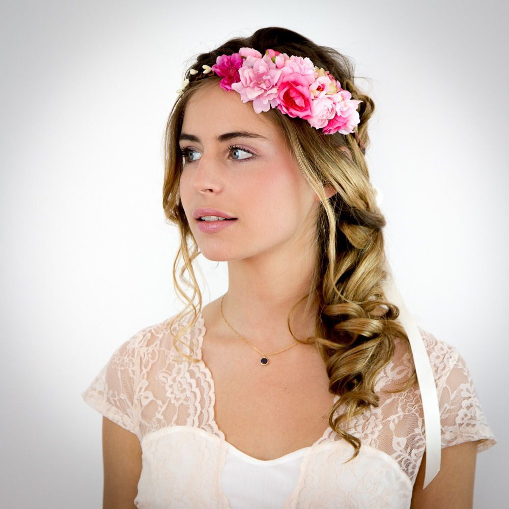 Coiffure mariage couronne de fleurs
