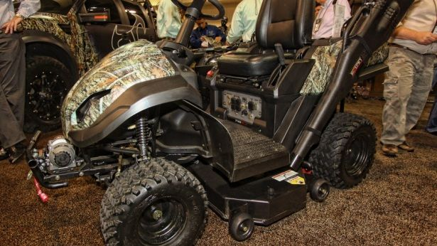 The Raven Mpv Switches From Lawnmower To Atv By Pulling Three Pins Holding Deck Shot Show 2017 Outdoor Channel