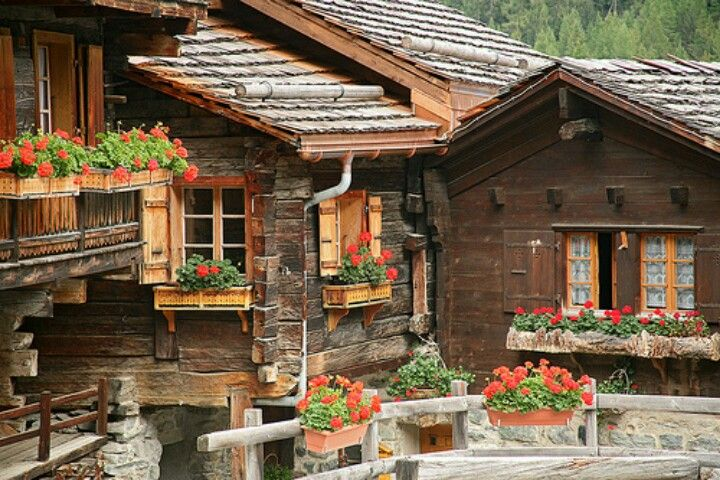 Swiss home, My goodness.....I love, love, LO♥E this!!!