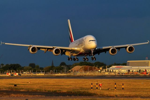 Emirates   Airbus A380-861   A6-EDL   London-Heathrow   (LHR)   Flickr - Photo Sharing!