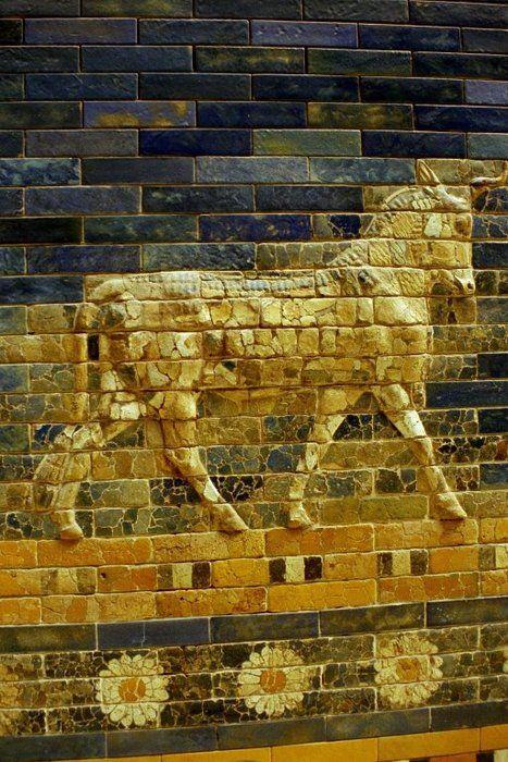 Detail Of The Ishtar Gate Babylon Now In Pergamon Museum Berlin Ancient Mesopotamia Ancient Babylon Mesopotamia