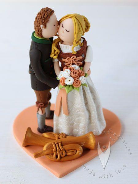 Trachten Brautpaar Hochzeitstortenfigur Fur Die Hochzeitstorte Trachten Tortenfigur Fur Die Hoch Hochzeit Torte Figuren Hochzeitstortenfiguren Torten Figuren