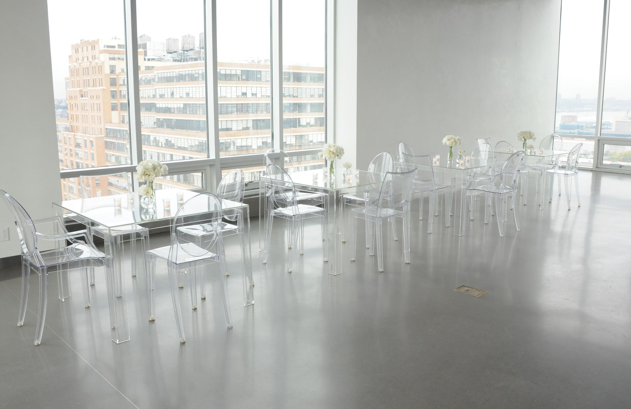 The new invisible dining table from Kartell. | clear ...