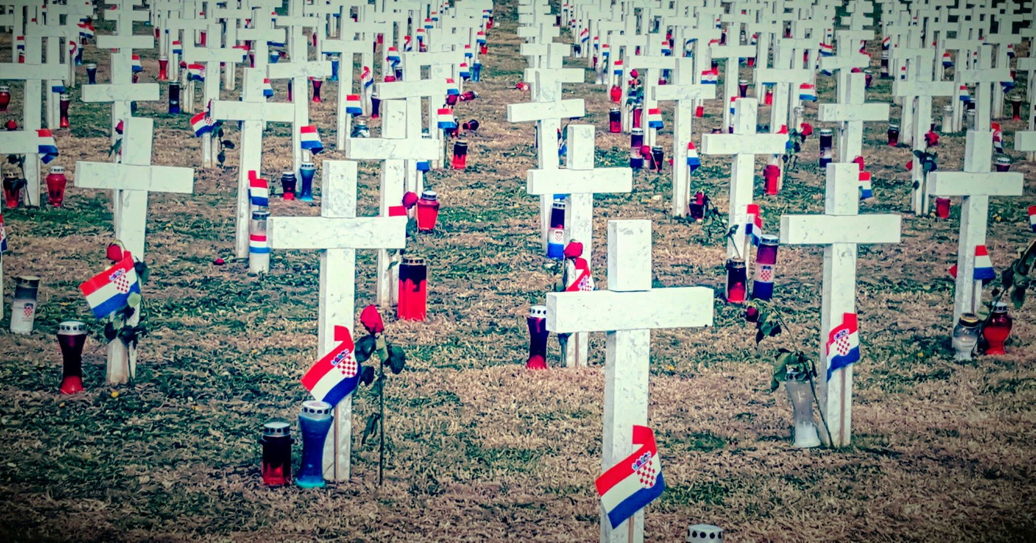 Groblje u Vukivaru #croatia #vukovar #war #grawejard