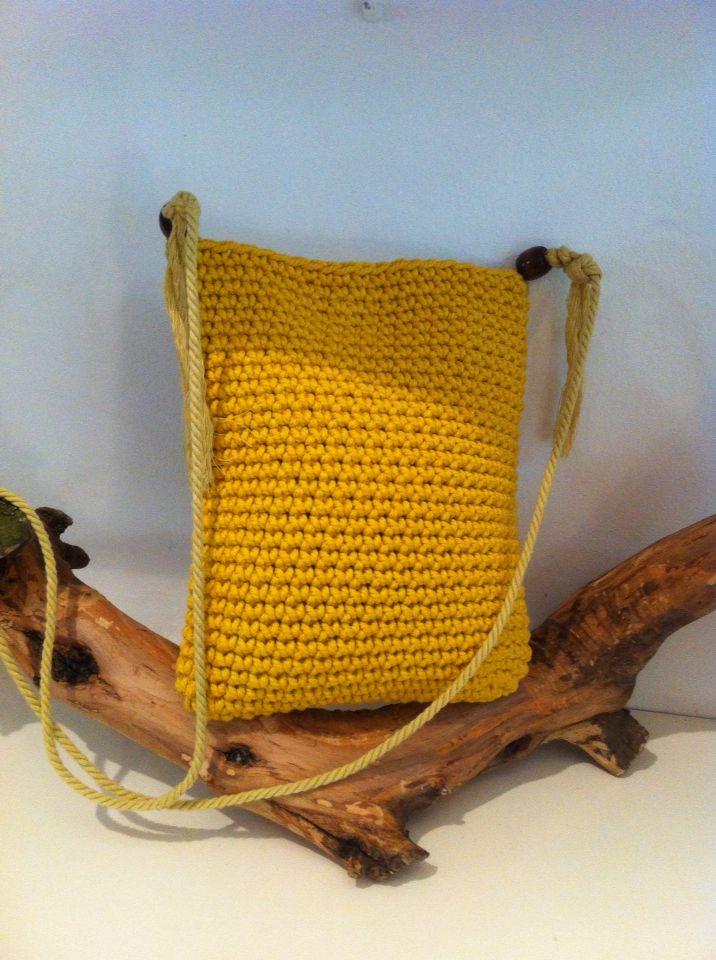 Bolsos-bandoleras crochet con cuerda de algodón https://www.facebook.com/GorrosBoinasCrochet