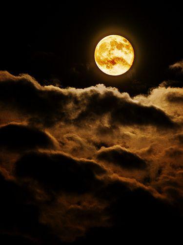 フリー画像 自然 風景 空 夜空 月 雲 201109150100 gatag フリー画像 写真素材集 2 0 夜空の絵画 中秋の満月 グッドナイトムーン