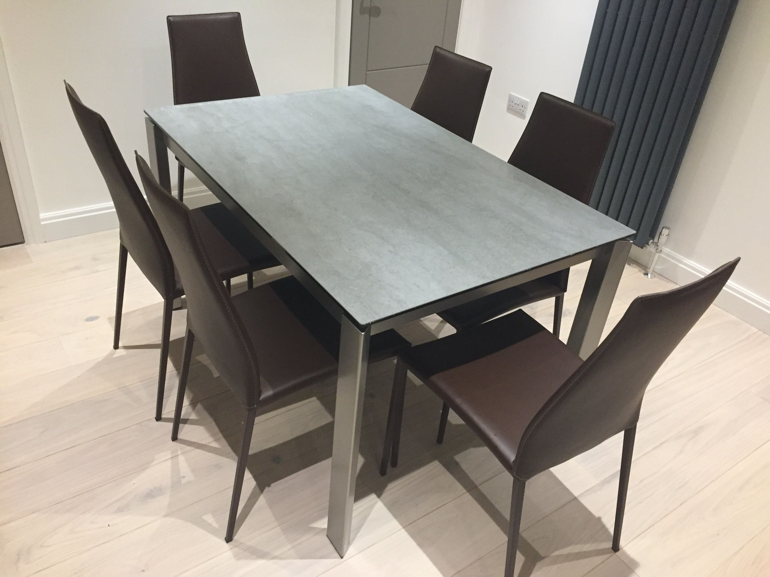 Calligaris Duca with Ceramic top Features Dining