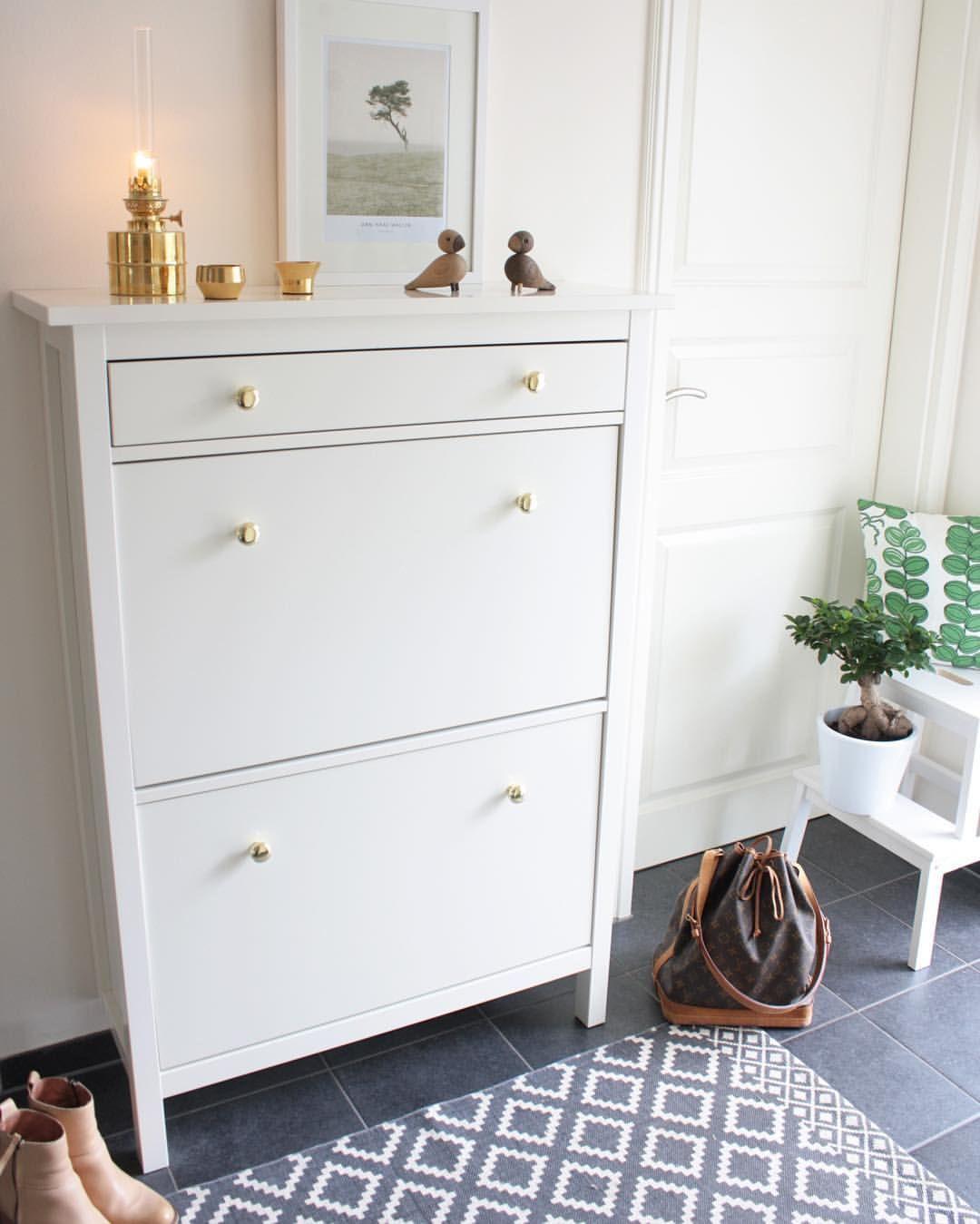 Hallo Meine Lieben Heute Gibt Es Ein Wenig Bling Bling Fur Den Schuhschrank Durch Das Austauschen Der Griffe Ikea Hemnes Shoe Cabinet Home Shoe Cabinet