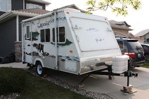 Kodiak 16 Hybrid Travel Trailer Winnipeg Manitoba Image 2