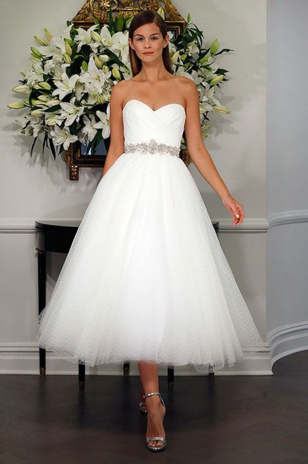 Hochzeitskleider Fur Den Schonsten Tag Ihres Lebens Brautfrisuren