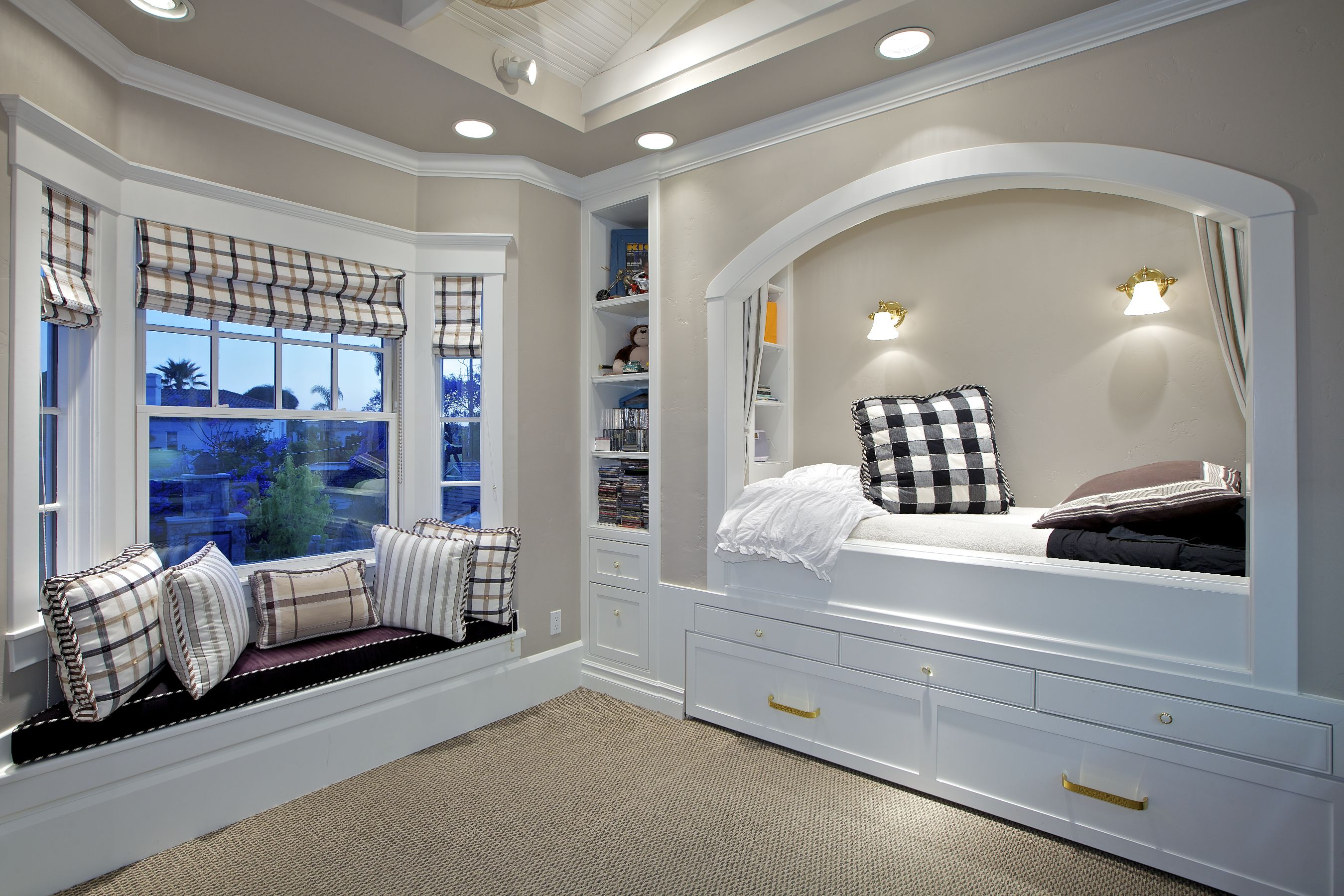 Best Built In Bed And Window Seat Great Ideas For Small 400 x 300
