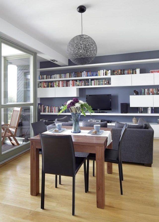 Wohnzimmer Mit Essbereich Graues Sofa Wandfarbe Massivholzesstisch Schwarze  Stühle