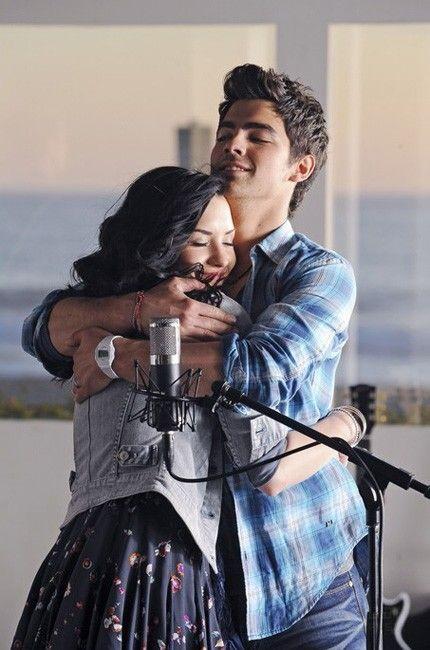 Demi Lovato Joe Jonas Demi Lovato Pictures Demi And Joe Demi Lovato
