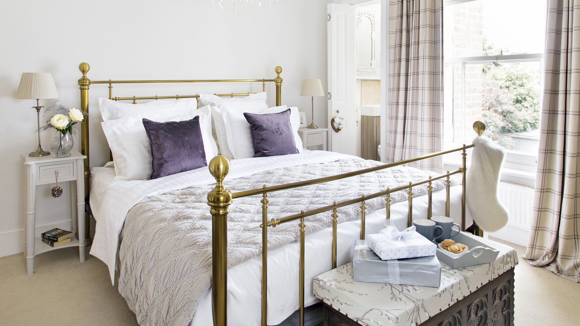 Traditional Neutral Bedroom With Brass Bed Brass Bed Room