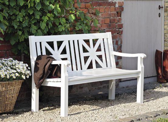 garpa cottage bank die wei e aluminiumbank verbreitet berall l ndliche idylle ihre. Black Bedroom Furniture Sets. Home Design Ideas